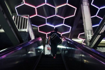 discover-the-beautiful-subway-art-of-nyc10