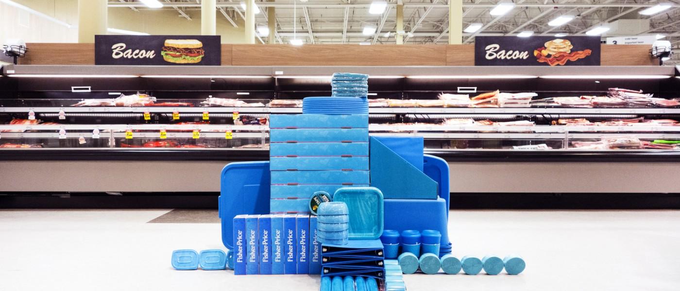 content_plain-magazine-mass-installation-blue