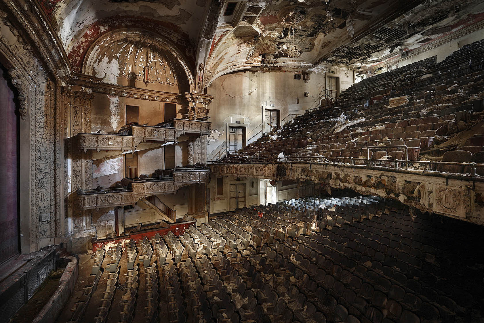 Haunting Images of Abandoned Places by Henk van Rensbergen ...