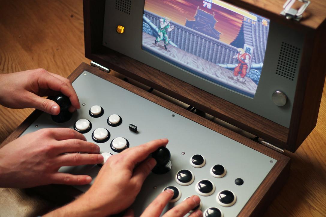 Love Hulten's Newest Retro Arcade Game Is Beautiful - PLAIN